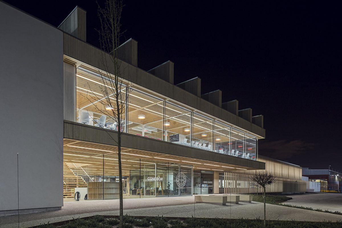 Casos Prácticos en Proyectos Singulares: Milesi participa en la II fase de la rehabilitación de la fachada de las oficinas centrales de Finsa