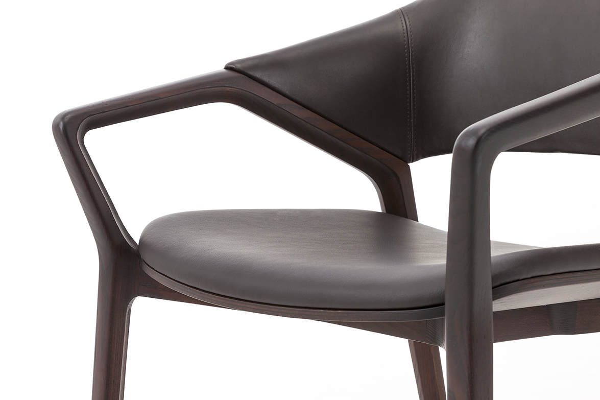 7_CASSINA_Ico chair_Ora Ito_detail
