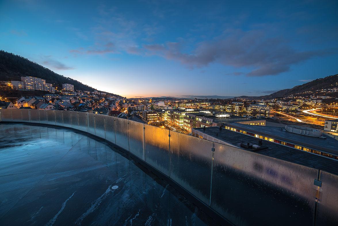 axo light ilumina el nuevo magic hotel en bergen noruega diseado por karim rashid
