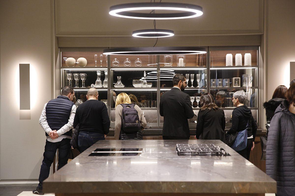 Innovaciones como puertas de horno invisibles o encimeras que cocinan, junto a prestigiosos chefs y diseñadores, en Espacio Cocina SICI