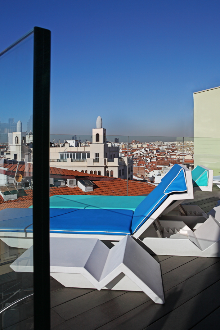 Sky lounge indigo hotel an urban garden at madrid center - Garden center madrid ...