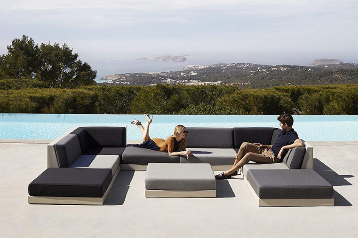 Relajarse al aire libre con Pixel, la nueva colección modular diseñada por Ramón Esteve para Vondom