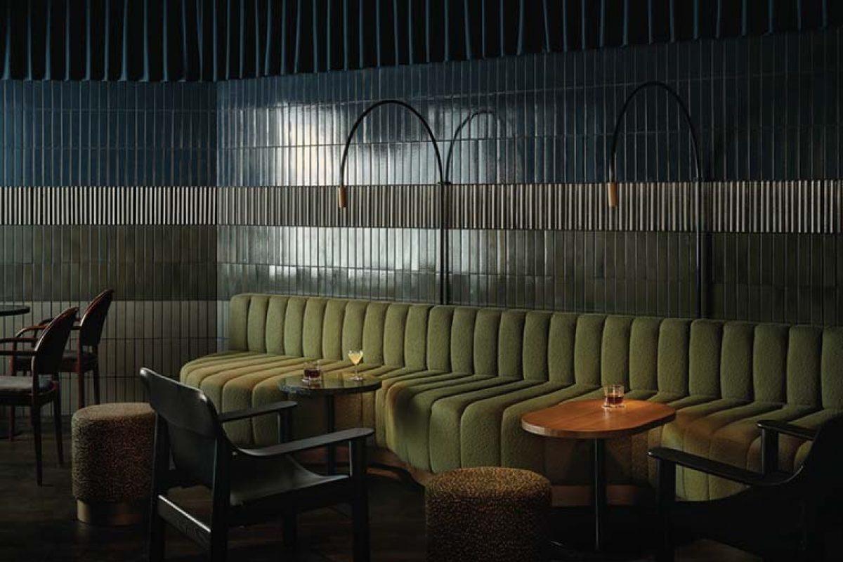 Bardem Cocktail Bar en Helsinki por Fyra. La interpretación moderna de un bar clandestino