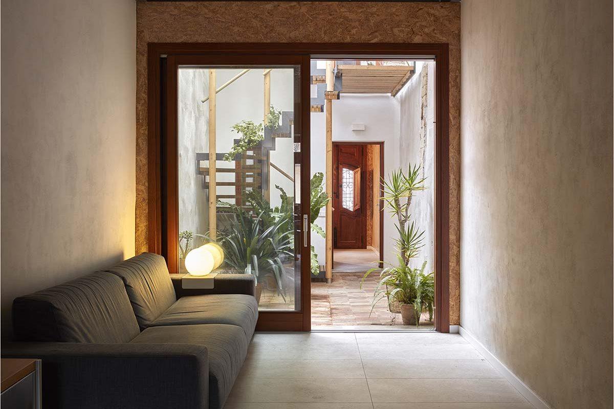 Eco Wood House, bioconstrucción en El Cabanyal por Fernando Olba