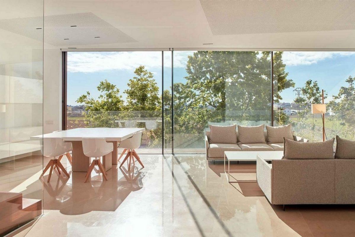 RAMON ESTEVE diseña La Casa en la Huerta, una vivienda conectada con el paisaje