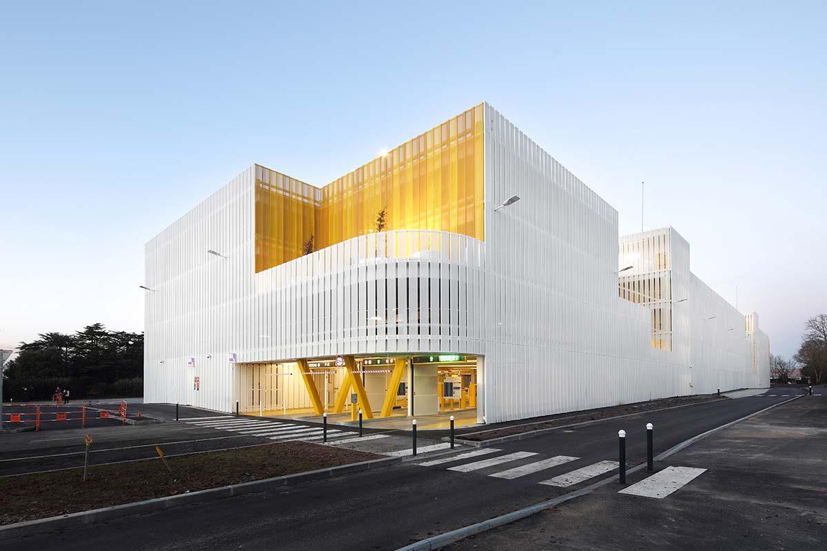 Parking y Estación Intermodal en Nantes por IDOM