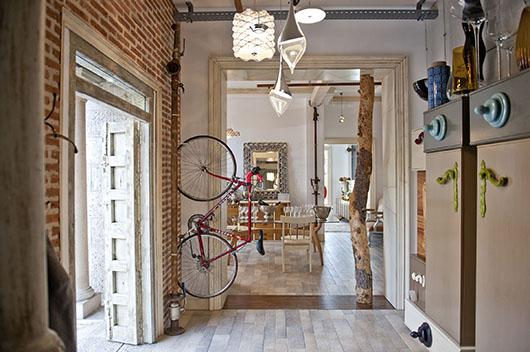 La firma de los originales muebles artesanos de almaz n for Interiorismo almazan