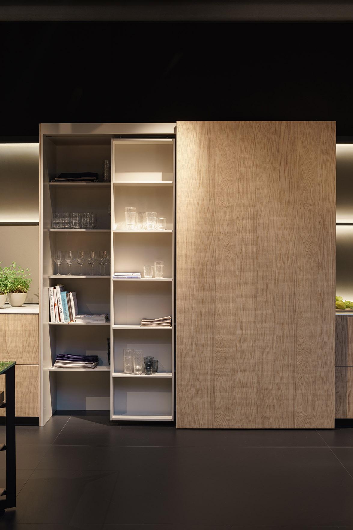 b3_Milan_sliding_shelf