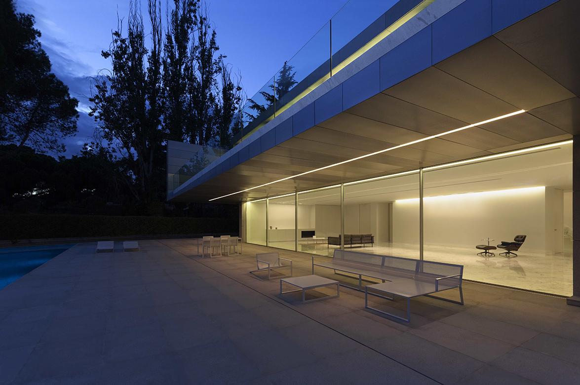 FRAN SILVESTRE ARQUITECTOS - ALUMINUM HOUSE - 002