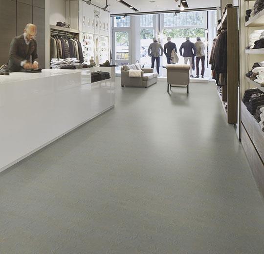 Marmoleum cocoa y slate de forbo flooring systems los - Pavimento de linoleo ...