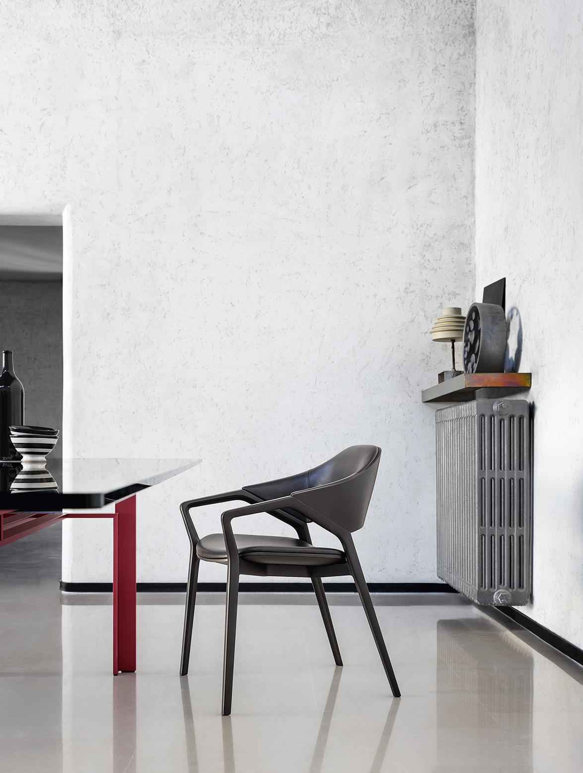 8_CASSINA_Ico chair_Ora Ito_amb