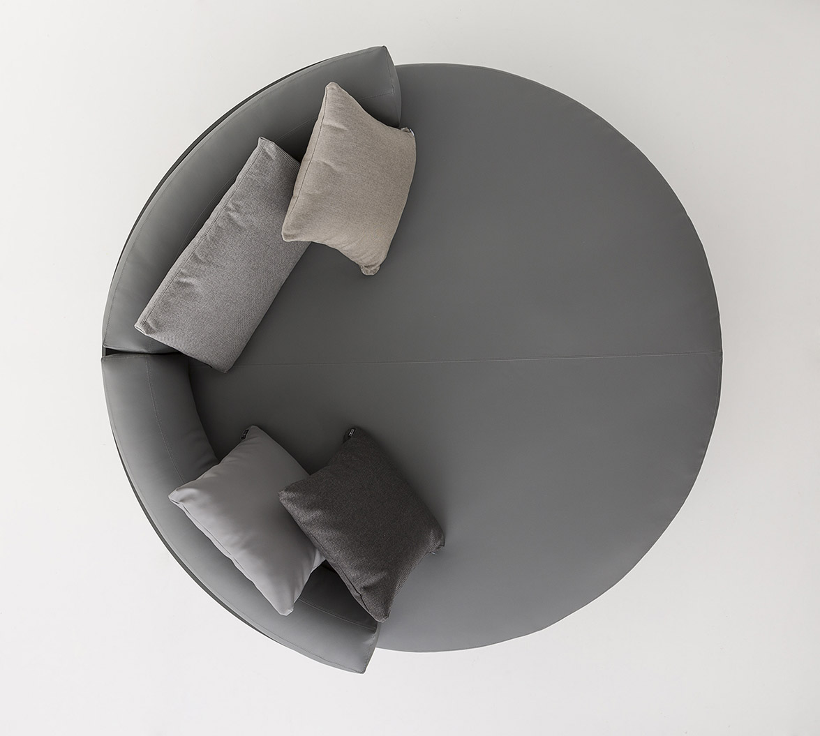 Chill Day Bed By Mario Ruiz For Gandiablasco Novelty 2016