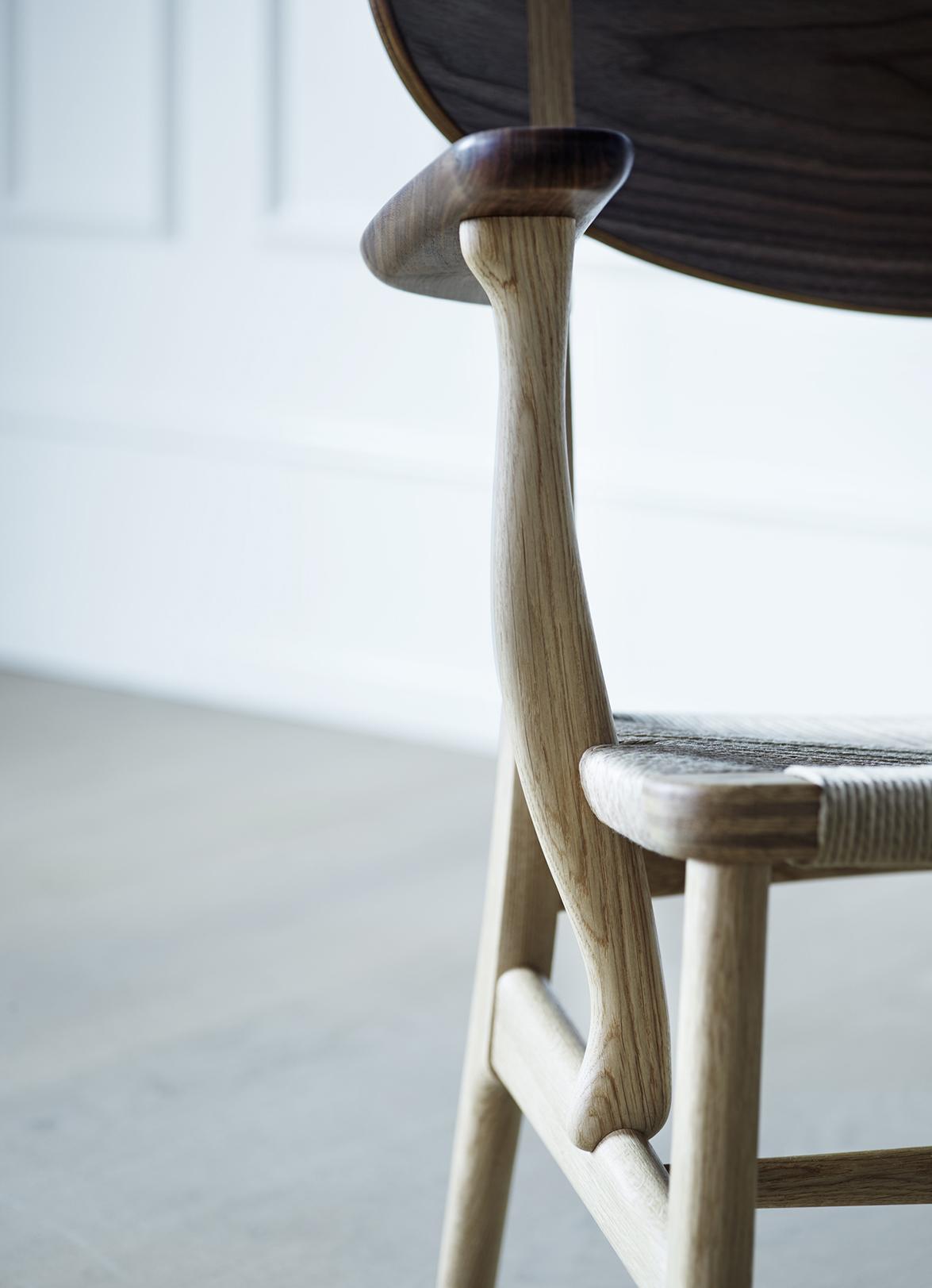 Wegner_CH22-oak-walnut-mix_detail_armrest