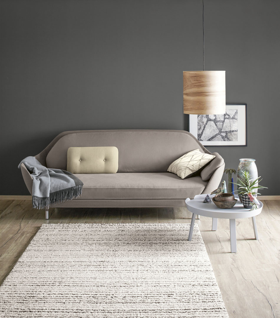 Wohnzimmer in Grautoenen, Living room in shades of gray